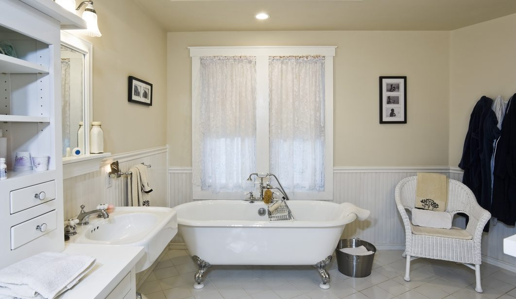 How To Remodel Bathroom For Airbnb Inexpensively Meticulous Plumbing - Inexpensive ways to remodel a bathroom