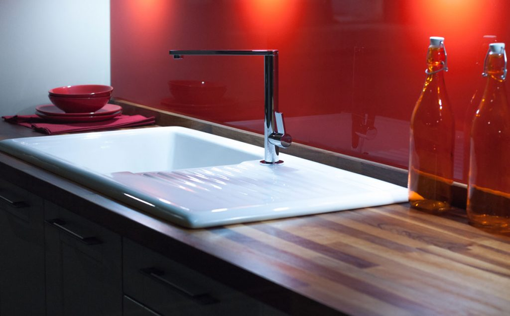 A universal sink for a kitchen or bathroom remodel